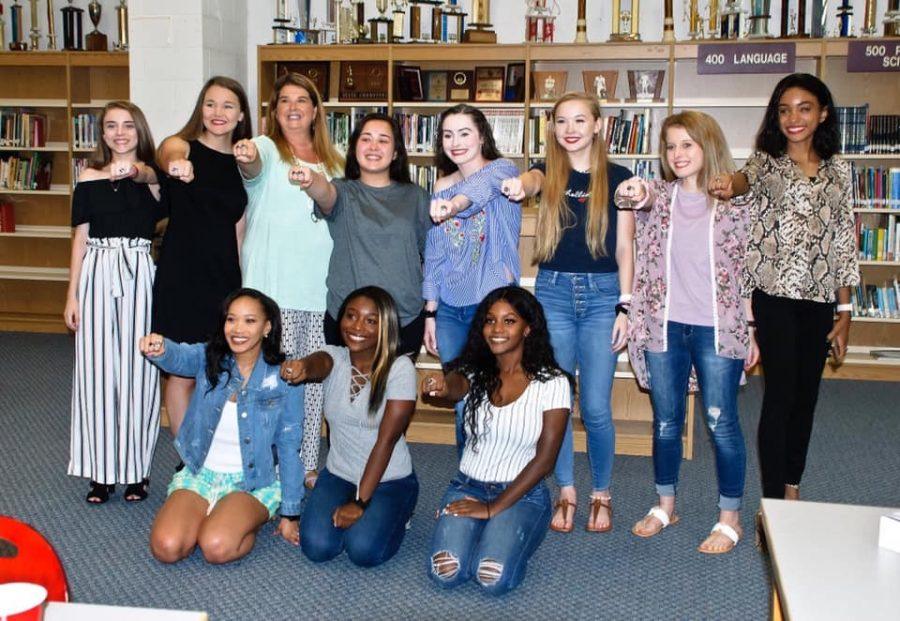 Top+%28left+to+right%29%3A+Kameron+Vaughan%2C+Chelsea+Purifoy%2C+Coach+Nancy+Delorme%2C+Gabby+Arnold%2C+Hope+Hesterly%2C+Makenlee+Kimbrough%2C+Bianca+Garcia%2C+Haylee+Hines+Bottom+%28Left+to+Right%29%3A+Shayla+Hall%2C+Mariah+Kelly%2C+jasmine+Scott